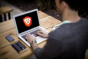 Establecer Brave cómo navegador predeterminado